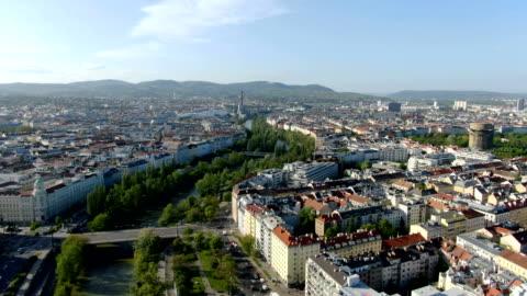 vidéos et rushes de aerial view of vienna city center with donaukanal - autriche