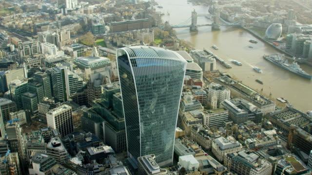 vídeos y material grabado en eventos de stock de aerial view of walkie talkie building in london - walkie talkie