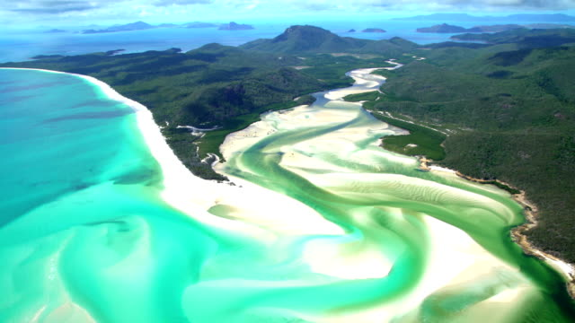 vídeos de stock, filmes e b-roll de aerial view of whitehaven beach whitsundays south pacific - patrimônio mundial da unesco