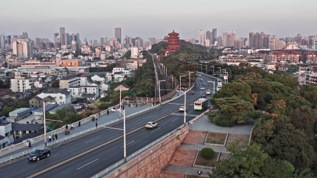 stockvideo's en b-roll-footage met aerial view of wuhan skyline - jasper national park