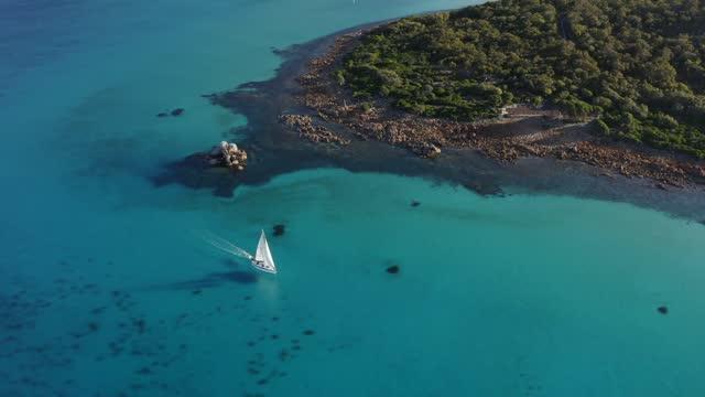 vidéos et rushes de aerial view of yallingup western australia - 4k drone - littoral
