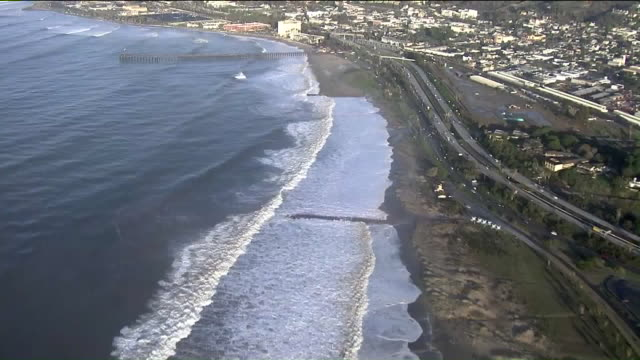ktla aerial view of zuma beach - pazifikküste stock-videos und b-roll-filmmaterial