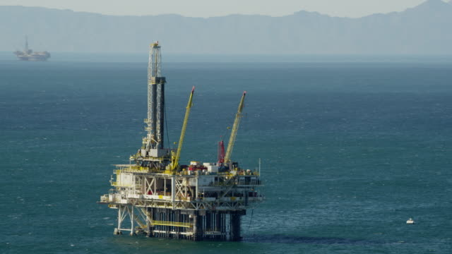 aerial view oil drilling platform offshore los angeles - fossil fuel stock videos & royalty-free footage