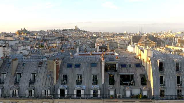 Luchtfoto op Sacre Coeur in Parijs in 4 k slow-motion
