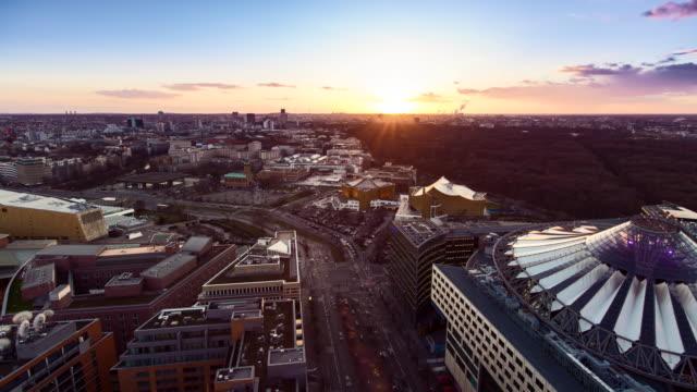 aerial view over berlin at sunset - 西ドイツ点の映像素材/bロール