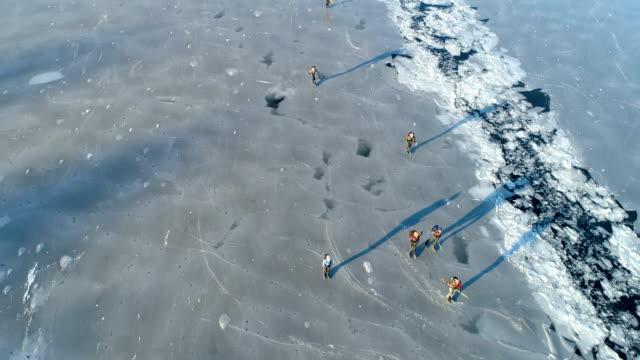 Flygfoto över människor skridskor