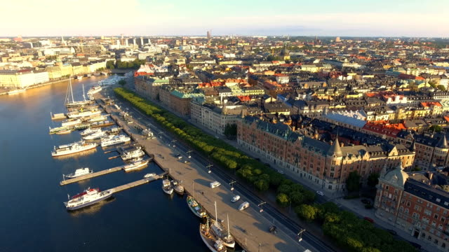 stockvideo's en b-roll-footage met luchtfoto uitzicht over stockholm - haven