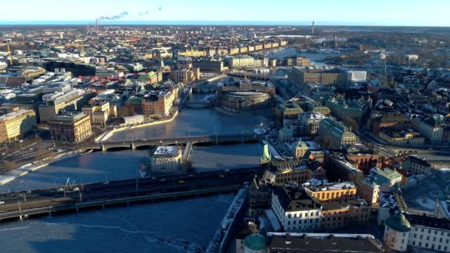 stockvideo's en b-roll-footage met luchtfoto uitzicht over stockholm - stockholm