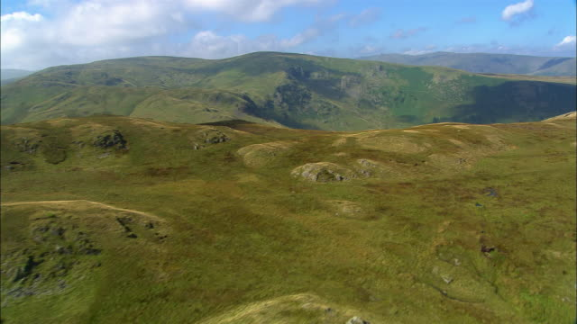 aerial view over the fells and dales of shap fell in the lake district / cumbria, england - kulle bildbanksvideor och videomaterial från bakom kulisserna