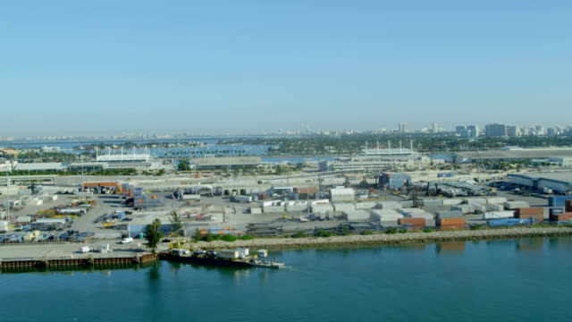 aerial view port miami international shipping container port - biscayne bay stock-videos und b-roll-filmmaterial