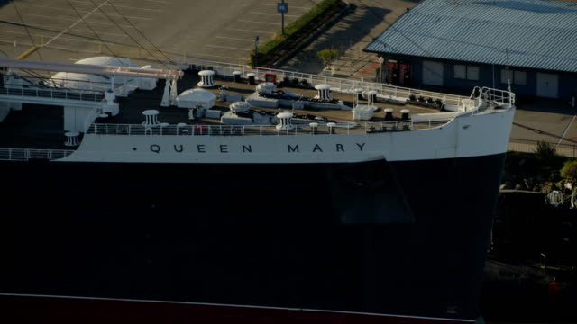 aerial view queen mary liner long island california - long beach california stock videos & royalty-free footage