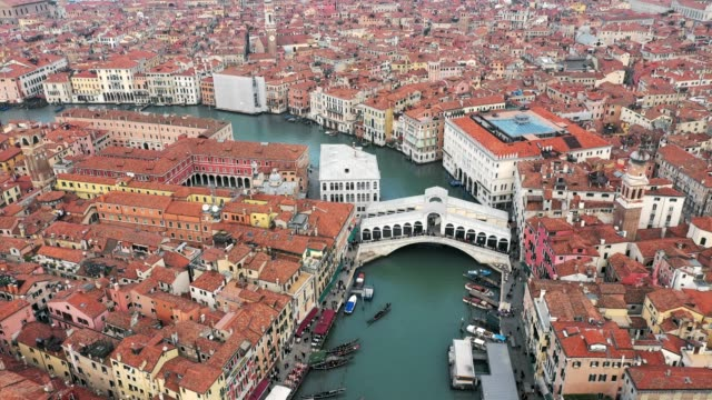 aerial view, rialto bridge, venice, italy - venice italy stock videos & royalty-free footage