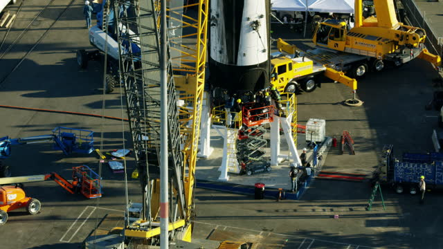 aerial view rocket booster maintenance port of la - reusable stock videos & royalty-free footage