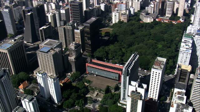 vídeos de stock, filmes e b-roll de vista aérea-são paulo, são paulo, brasil - museum