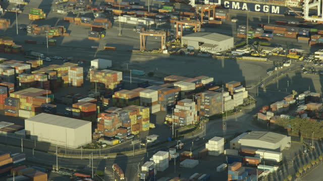 aerial view shipping containers fremantle cargo port perth - フリーマントル点の映像素材/bロール