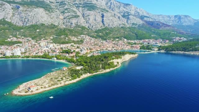 vídeos y material grabado en eventos de stock de antena de ws vista soleado mirador de makarska, croacia - región de dalmacia croacia
