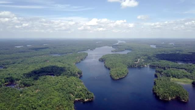 luftaufnahme: sonnenuntergang über dem fluss - ontario kanada stock-videos und b-roll-filmmaterial