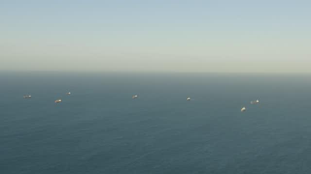 aerial view super tankers anchored offshore perth wa - フリーマントル点の映像素材/bロール