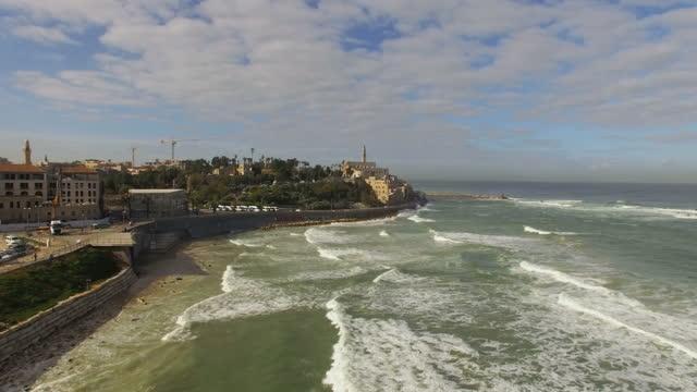aerial view -  the old city of jaffa and the skyline of tel aviv - jaffa bildbanksvideor och videomaterial från bakom kulisserna