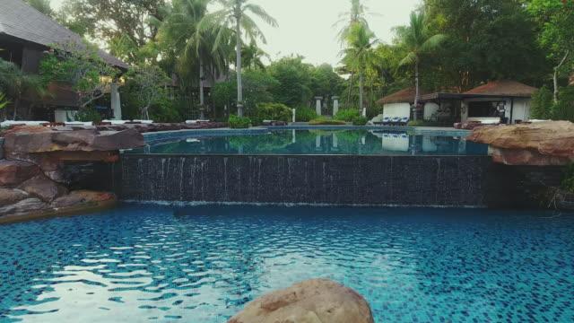 utsikt över poolen. - utebassäng bildbanksvideor och videomaterial från bakom kulisserna