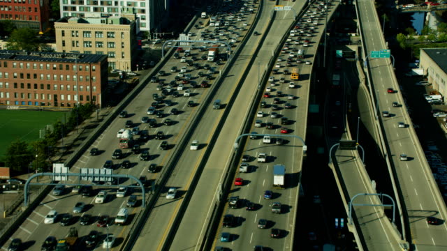 aerial view us 1 highway commuter traffic boston - office block exterior stock-videos und b-roll-filmmaterial