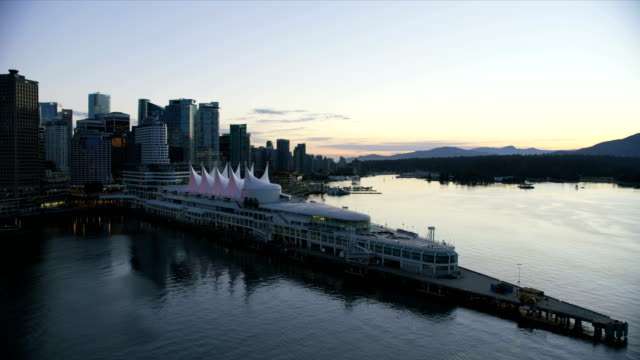 aerial view vancouver harbour british columbia canada - フェリーターミナル点の映像素材/bロール
