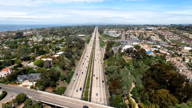 aerial view - autostrada interstatale americana video stock e b–roll