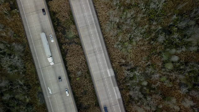 aerial views of a highway in louisiana - louisiana stock videos & royalty-free footage