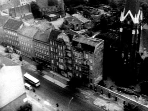aerial views of berlin divided by early version of berlin wall, cold war. aerials of early berlin wall on august 13, 1961 in berlin, germany - 1961 stock-videos und b-roll-filmmaterial