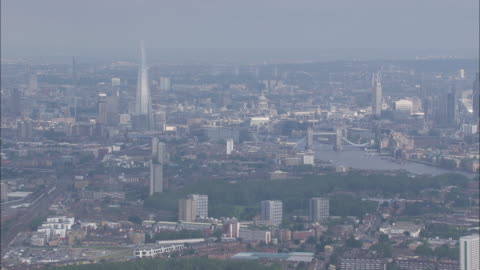 stockvideo's en b-roll-footage met aerial views of central london - shard, tower bridge, thames, st paul's, the city - 2012