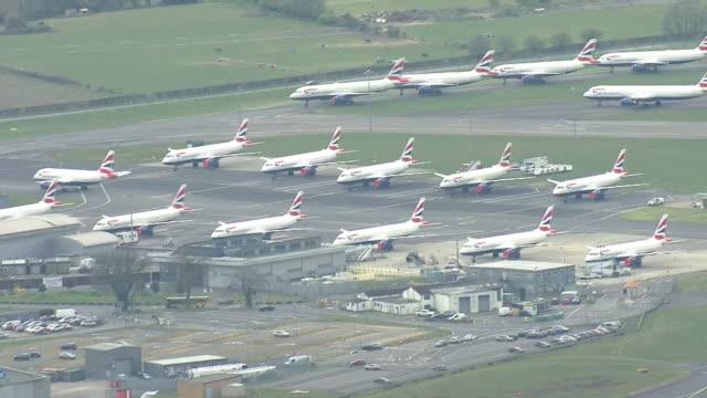 aerial views of farnborough airport during the coronavirus epidemic on 30th march 2020 farnborough united kingdom - air vehicle stock videos & royalty-free footage