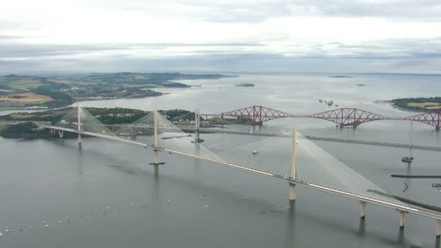aerial views of queensferry bridge on 4th september 2017 edinburgh scotland - fluss firth of forth stock-videos und b-roll-filmmaterial