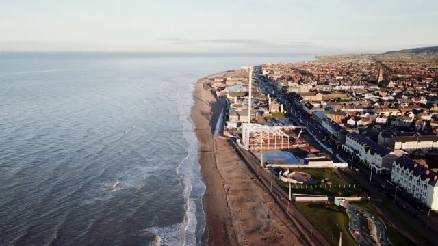 aerial views of rhyl - typisch walisisch stock-videos und b-roll-filmmaterial