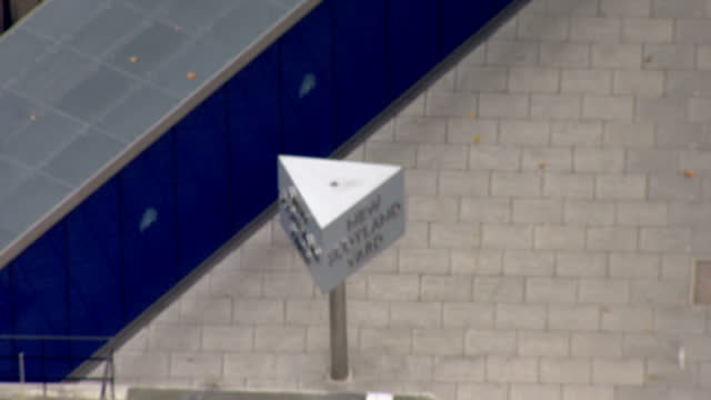 aerial views of scotland yard the headquarters of the metropolitan police service on 3rd november 2015 in london england - ニュースコットランドヤード点の映像素材/bロール