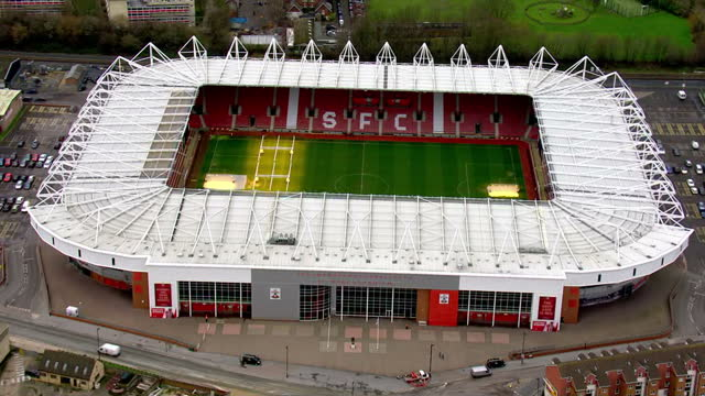 stockvideo's en b-roll-footage met aerial views of st mary's stadium home of southampton football club int the english premier league on february 10 2016 in london england - southampton engeland