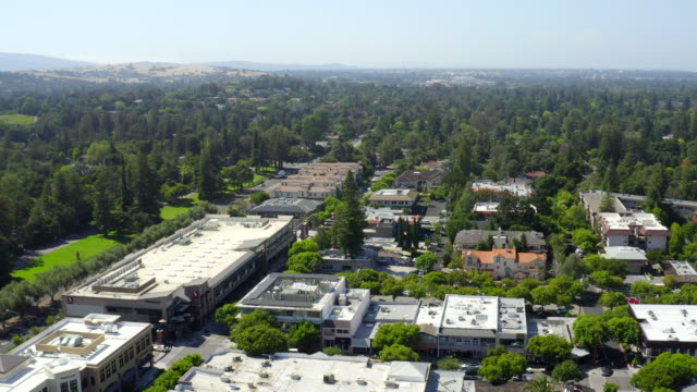aerial views on los altos, california - inquadratura da un aereo video stock e b–roll
