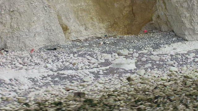 aerial views sussex heritage coast, white cliffs, seven sisters from west to east to national trust cafe at birling gap - national trust video stock e b–roll