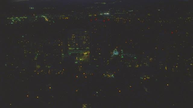 n/x aerial westwood; ns 2 views - westwood neighborhood los angeles bildbanksvideor och videomaterial från bakom kulisserna