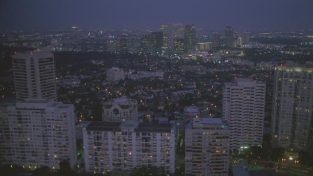 n/x aerial westwood - westwood neighborhood los angeles bildbanksvideor och videomaterial från bakom kulisserna
