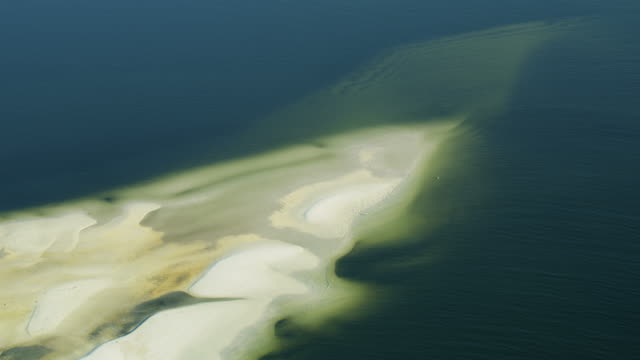 aerial white sand turquoise water gulf of mexico - red tide stock videos & royalty-free footage