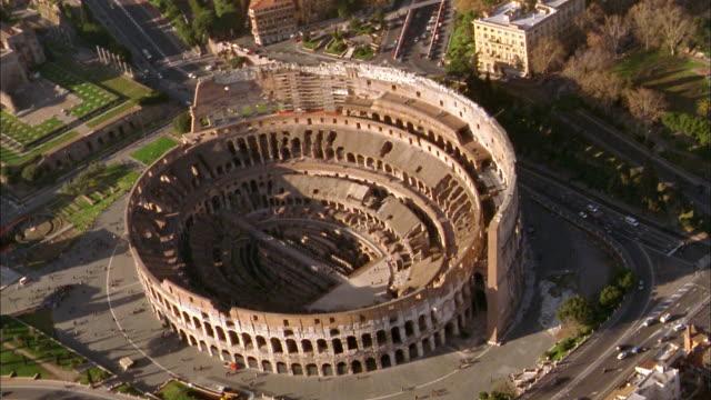 stockvideo's en b-roll-footage met aerial wide shot coliseum ruins / rome - colosseum
