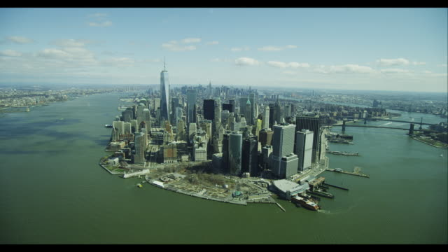 stockvideo's en b-roll-footage met aerial wide shot downtown manhattan - wide shot