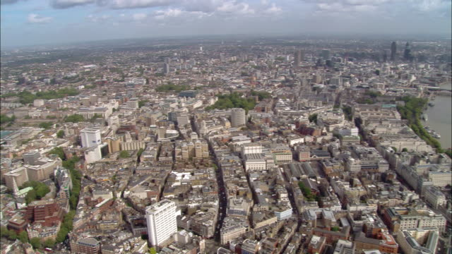 aerial wide shot pan westminster and charing cross station to camden around british museum / london, england - british museum stock videos & royalty-free footage