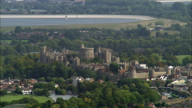 aerial wide shot pan windsor castle / berkshire, england - windsor castle stock videos & royalty-free footage