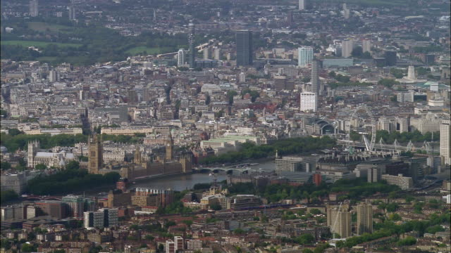stockvideo's en b-roll-footage met aerial wide shot westminster / zoom out greater london cityscape / england - greater london