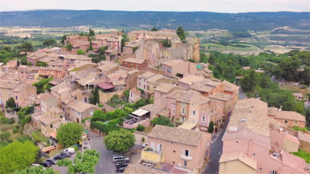 aerial w/s middle ages village roussillon - luberon video stock e b–roll