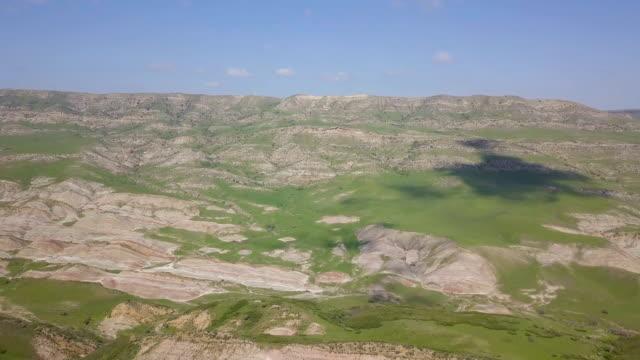 aerial/georgia–azerbaijan border landscapes - kaukasus geografische lage stock-videos und b-roll-filmmaterial