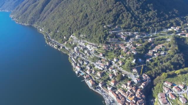 Antenne: Haus auf dem Hügel, Comer See Italien