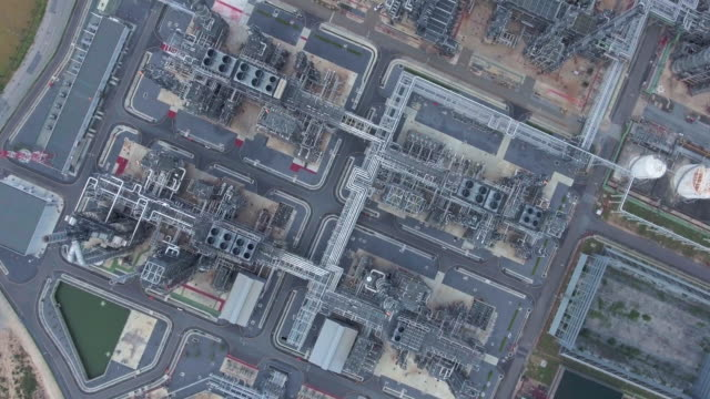 aerial:oil refinery - pipeline stock videos & royalty-free footage