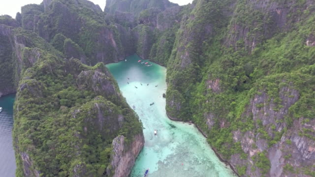 antenn: phi phi island, thailand - andamansjön bildbanksvideor och videomaterial från bakom kulisserna
